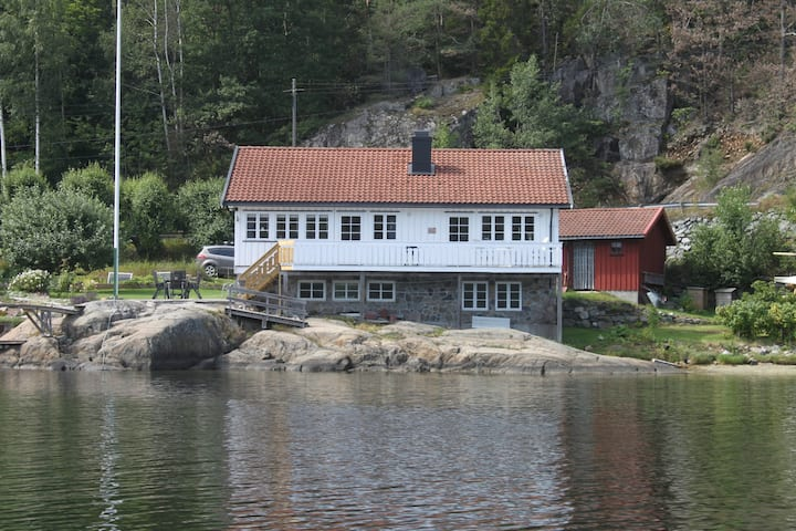 Spacious house right by the fjord of Kragerø