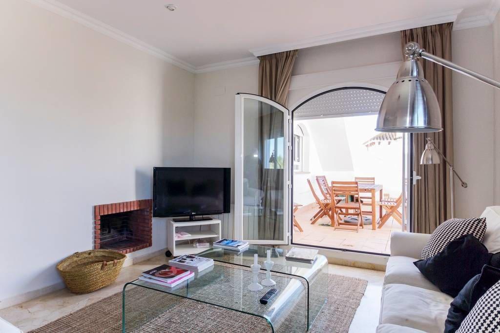 Casa Gadir by KEYWii. Ático en Costaballena con wifi y piscina, a 5 minutos de Costaballena Ocean Golf Club