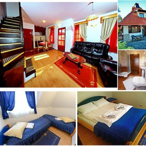 LUX Two-Bedroom Apartment (4 adults)