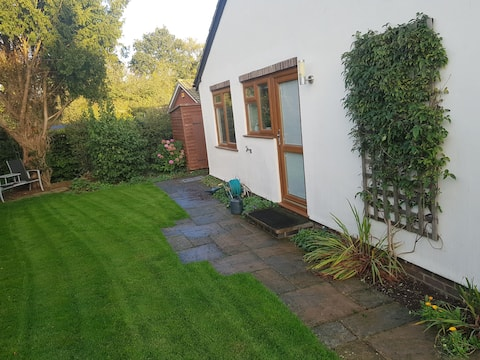 Cosy village annexe at Applewood