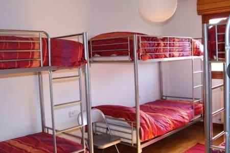 Habitación familiar (6 personas) - Tiebas