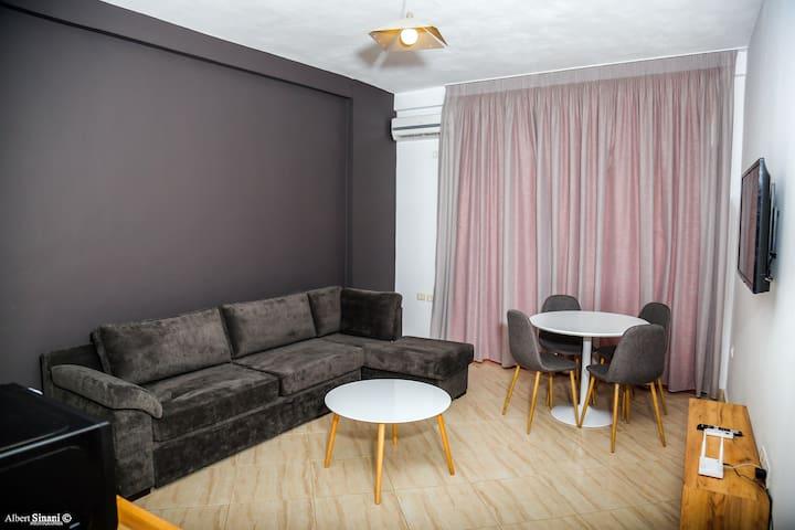 Deluxe Apartment X