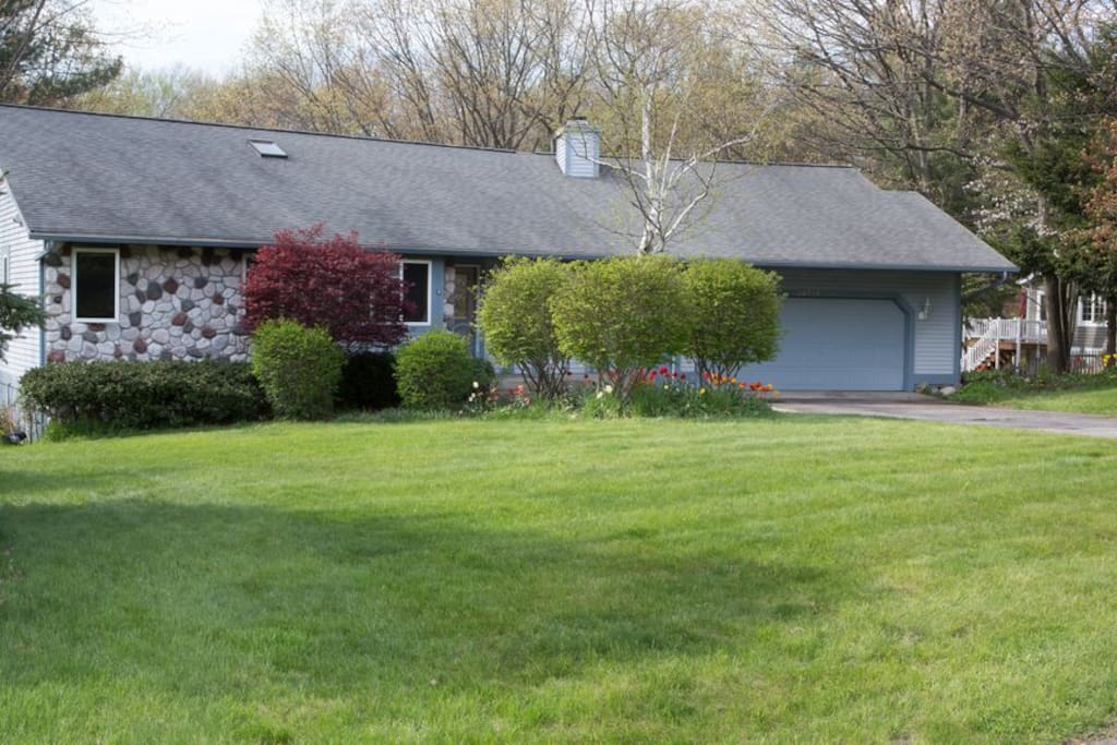 Located in a quiet, beautiful sub-division minutes from Grand Haven, Spring Lake, and Muskegon