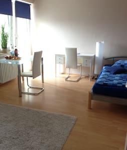 Komfortables, vollmöbl.Apartment - Sindelfingen - Διαμέρισμα