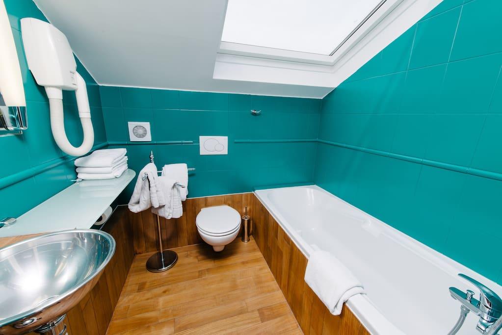Suite pour 4 pers acc s jacuzzi boutique hotels for for Hotel jacuzzi ile de france
