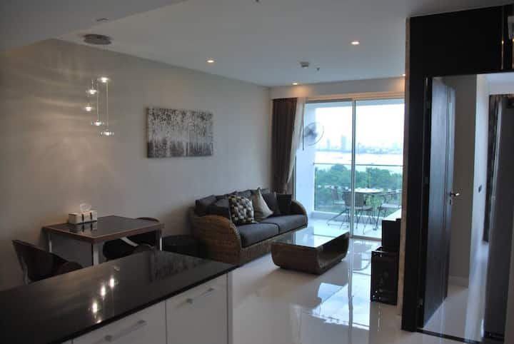 VERY SPACIOUS~Bay View~Amari Residence and Hotel.