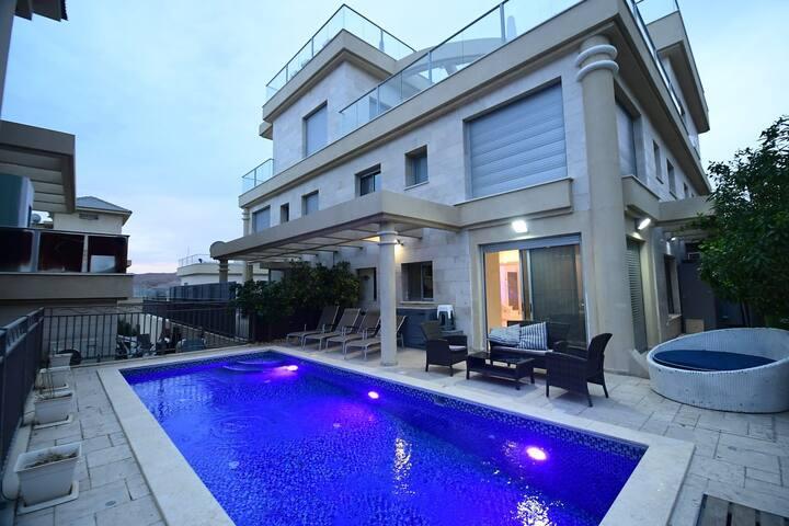 ☆Sea Garden Duplex With privat pool☆