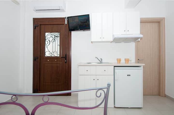Economy double room Naxos town