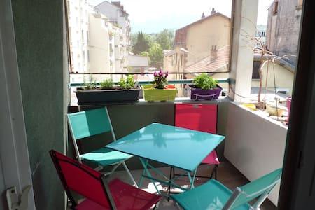Chambre Petit déjeuner - Wifi - Fontaine - Bed & Breakfast