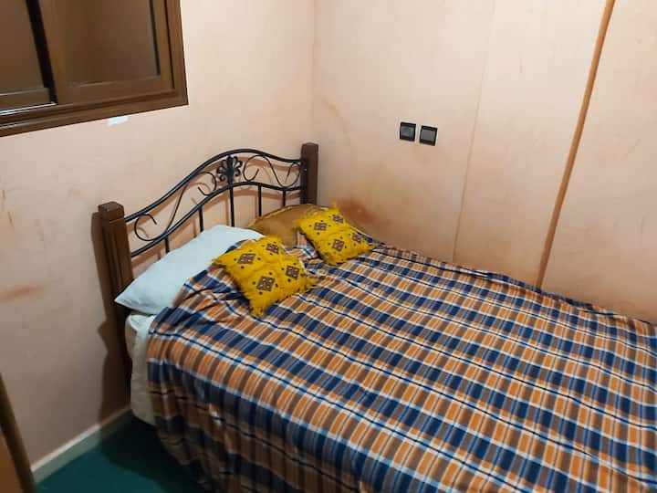 RDC/1st Floor- Agadir Center-Chambre avec salon