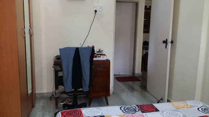 2 BHK IN POSH LOKHANDWALA ANDHERI (W) MUMBAI