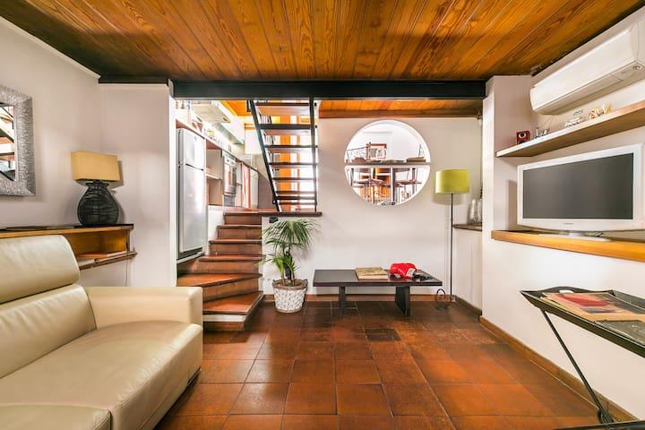 Elegante Appartamento di Design con Giardino