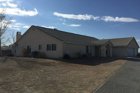 SHARED Home on the Range - Pahrump - Dům