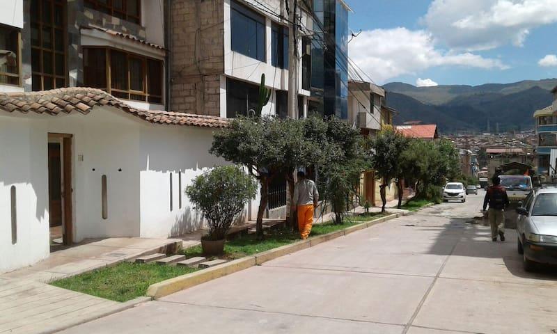 Departamento deluxe en zona residencial cusco.
