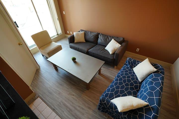 One bedroom Den - Cozy Home
