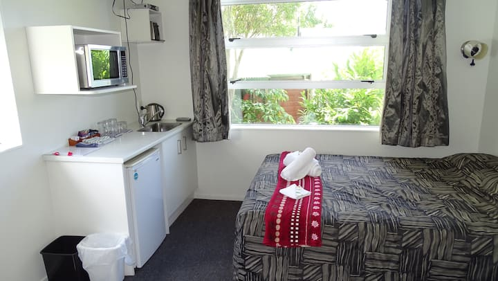 Ohakune modern Studio apartment 1B