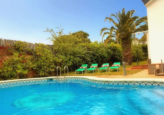 Mediterranean Villa with private beach - Tosa de Mar - House