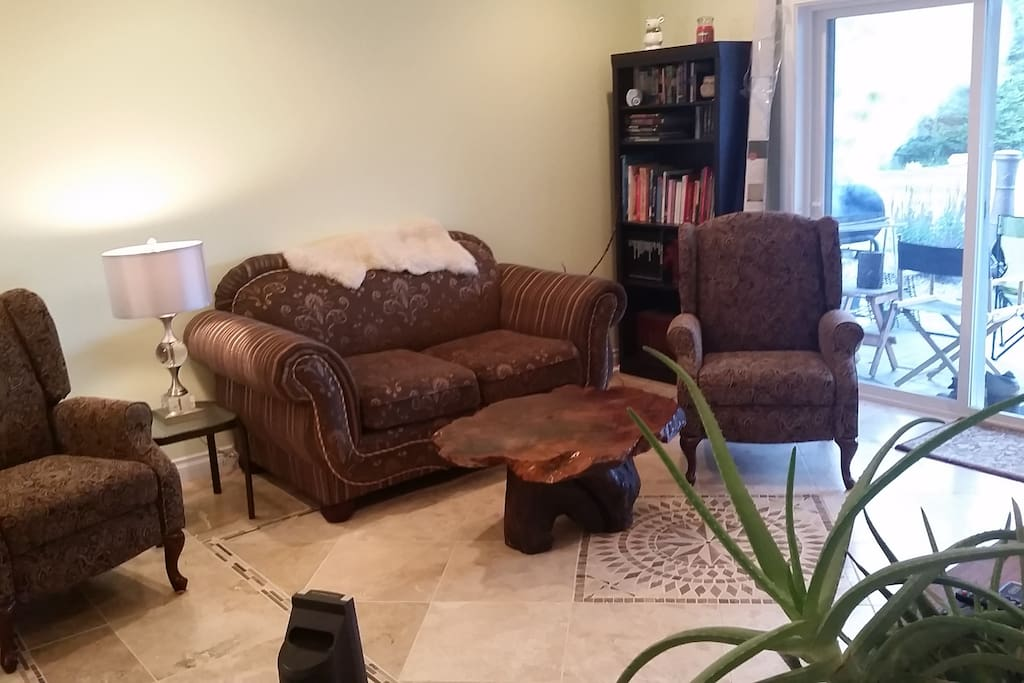 Home with a 2 br in law suite near silverwood guest for Inlaw suites for rent near me
