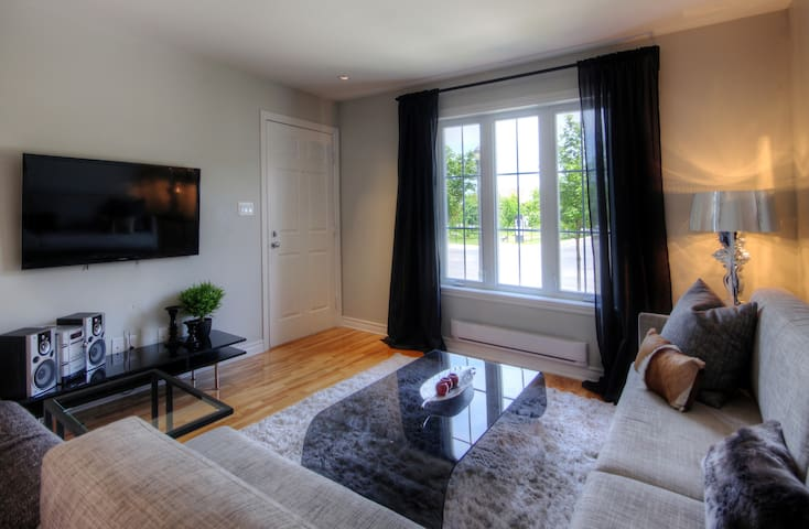 Elegant 1BDR with amenities for your stay in Mtl