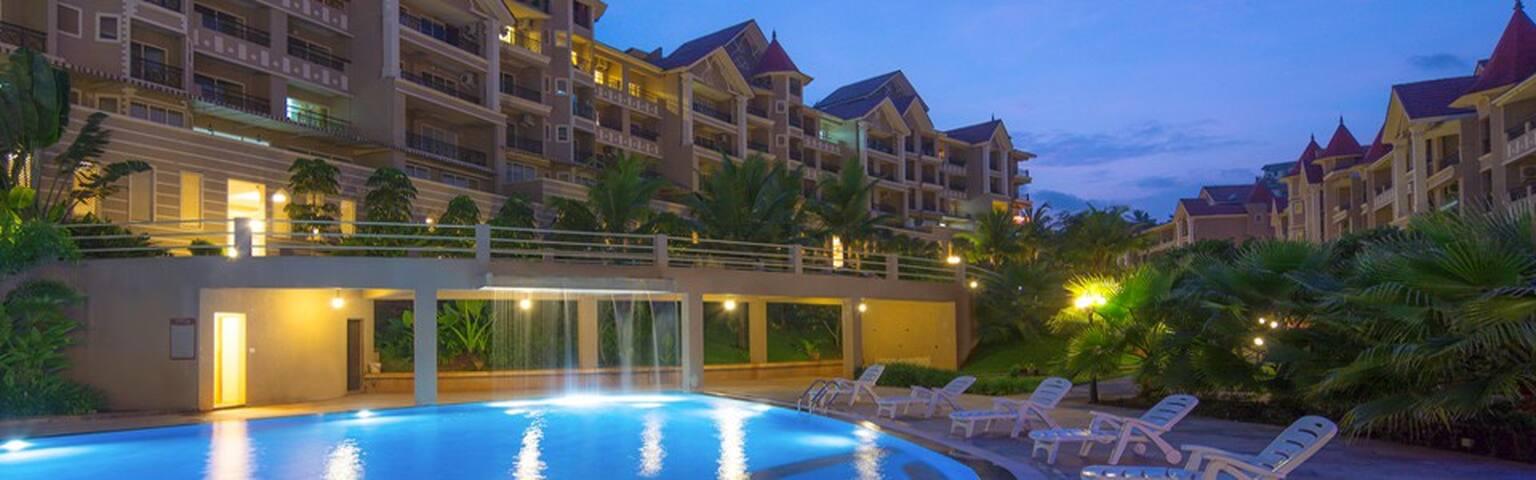 2BHK with Pool view @ Porvarim Goa - Penha de França - Apartamento