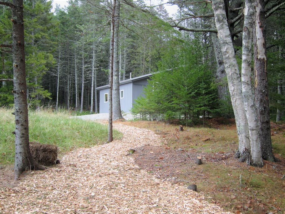 Path from parking area to cottage.