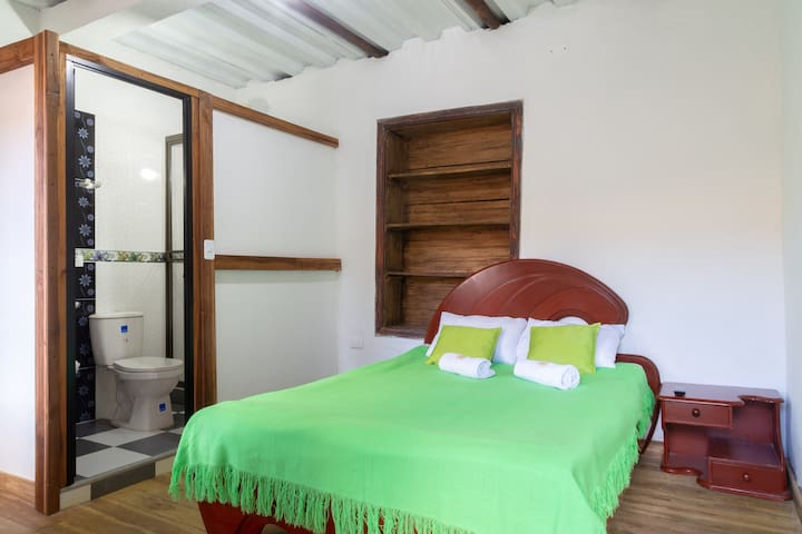 "Hostal El Caminante, ""Aguila"" Room In Family House"