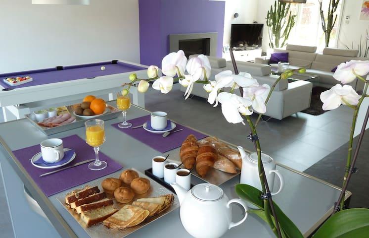 Chambres d'Hôtes PARFUM DE NUIT - Anstaing - Bed & Breakfast
