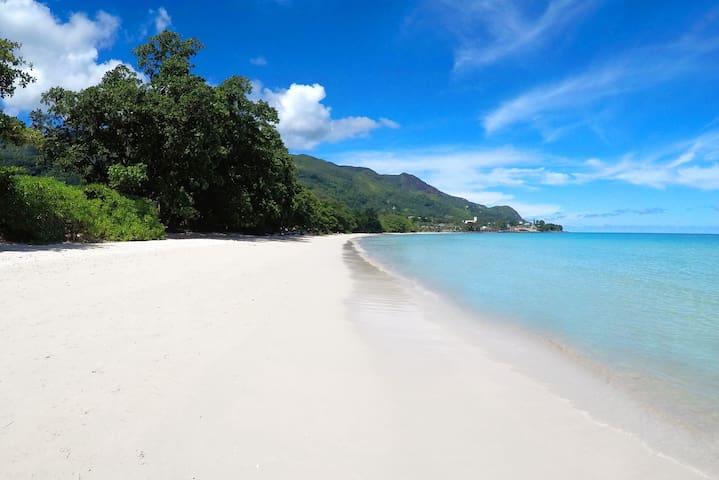 Luxury Villa Blanc on beachfront