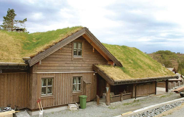 Holiday cottage with 6 bedrooms on 200 m² in Stryn