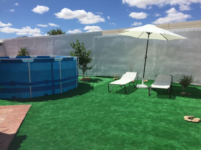 Big house in Madrid with pool&bbq - Navalcarnero - 獨棟