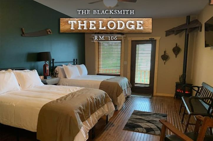 """The Black Smith"" Lodge Room 106"