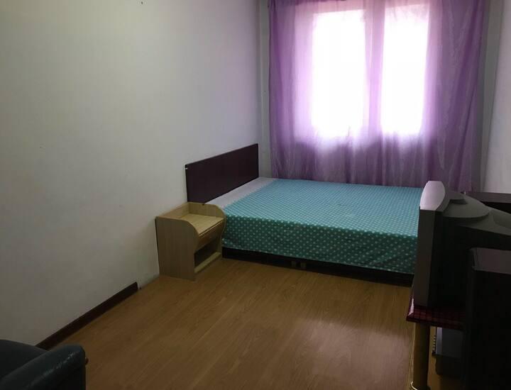 小虎公寓合租,短租日租,民宿,新站广场银河洗浴后侧有多套公寓出租单间13298842888