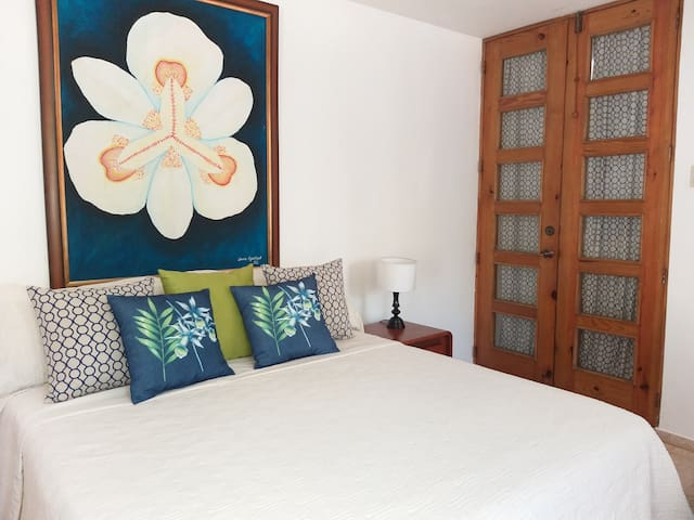 Flamboyan Studio en La Casa D Lulin Queen+sofa bed