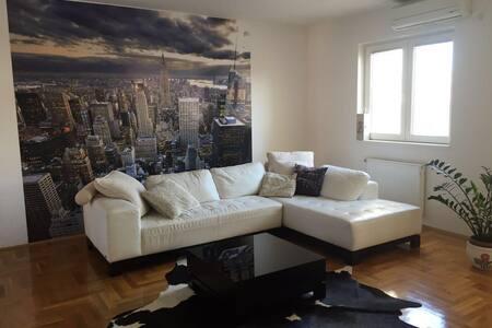 3BD Lux, Duplex Apartment (120sqm)