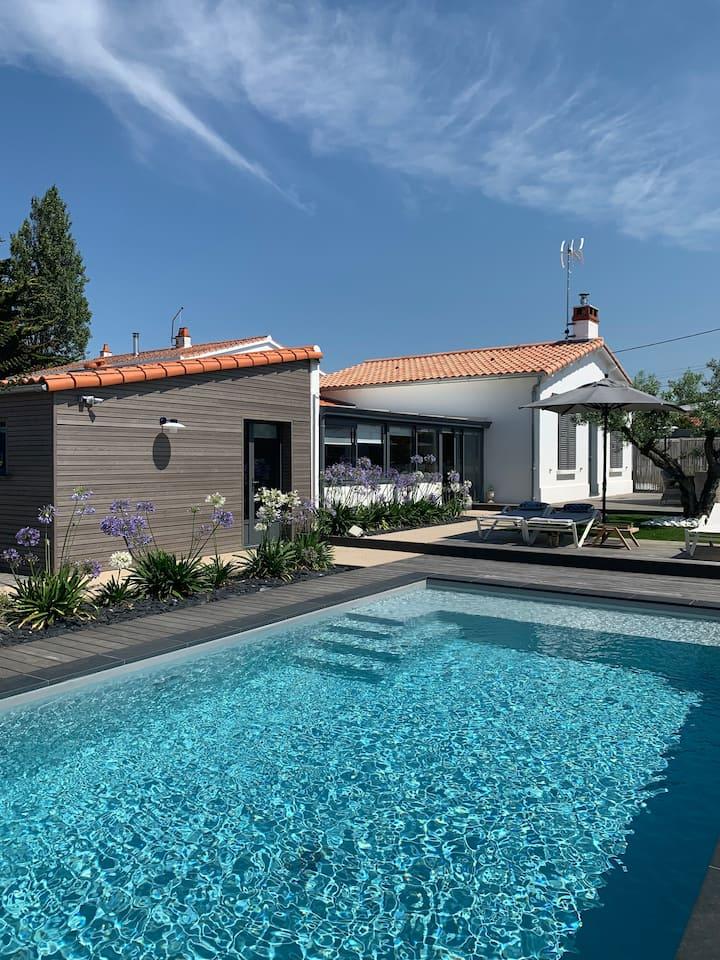 Villa entière avec piscine et terrasse arborée