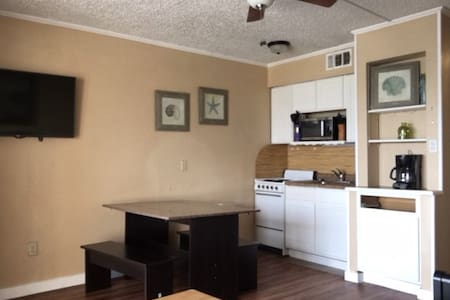 1326 Furnished Beach Front Condo W/ Full Kitchen - Corpus Christi