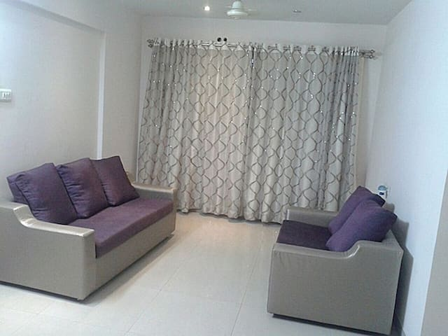 Elegant Two Bedroom Apartment in Bandra, Mumbai - Mumbai - Lejlighed