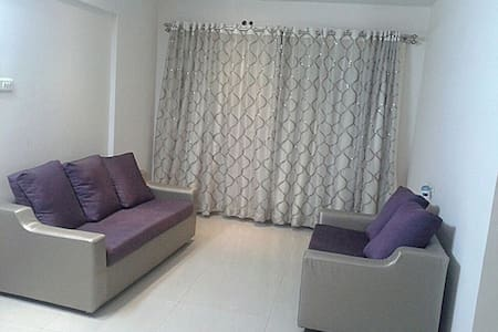 Elegant Two Bedroom Apartment in Bandra, Mumbai - Mumbai - Wohnung