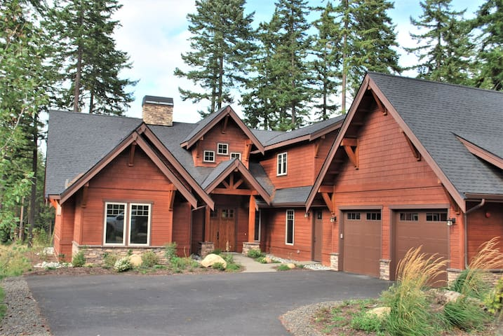 Timber Retreat at Suncadia- 5 bed 4 ba Luxury Home