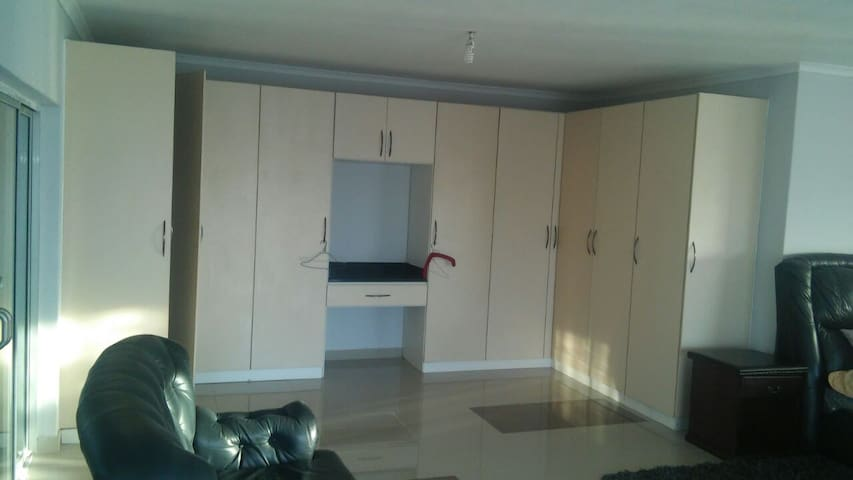 House upmarket self catering. - Harare - Casa