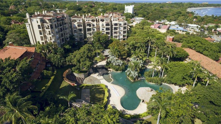 Luxury 2 BR Condo at the Diria Resort, walk to Tamarindo Beach! (MP 302)