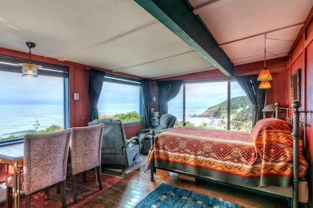 Cliffside Paradise | The Shags Nest Cabin