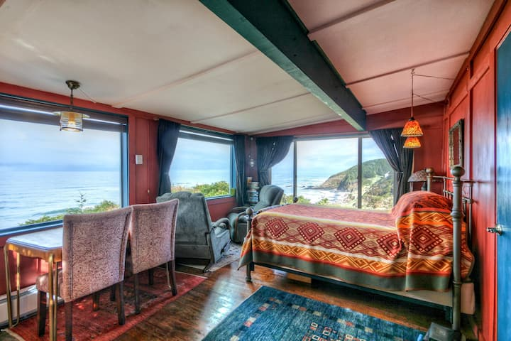 Cliffside Paradise   The Shags Nest Cabin
