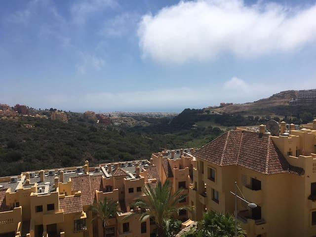 Duquesa Penthouse with Stunning Views. Sleeps 6.