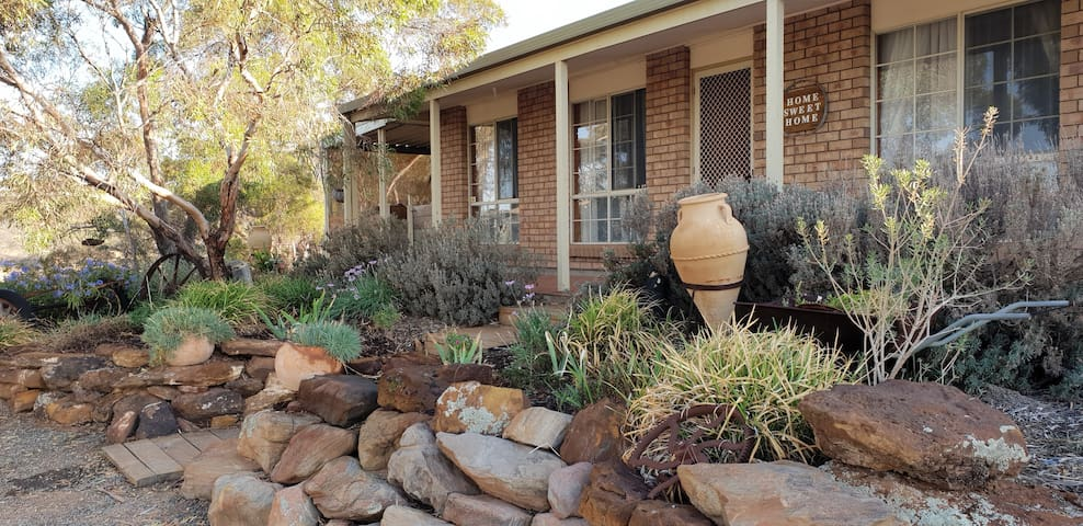 🌟4 bdrms, A/C, bbq, rural & near the Murray River