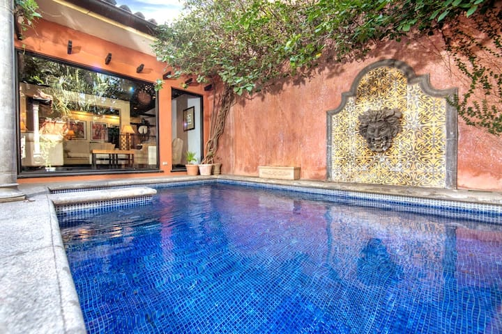 Luxorious 3 bedroom Villa with private pool