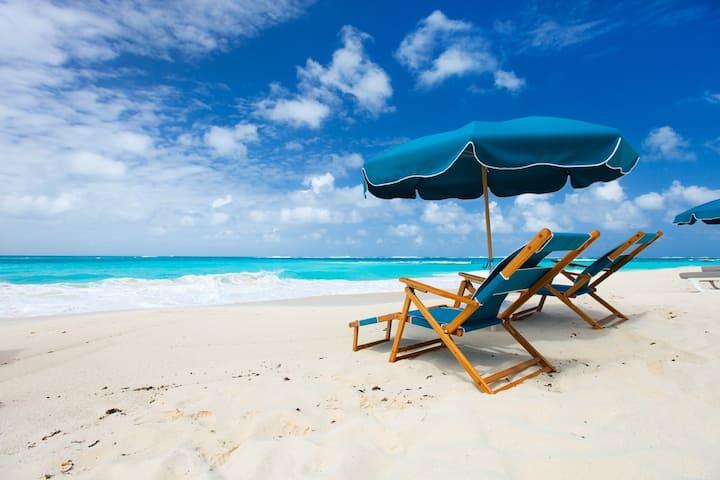 The Perch: FREE Beach Service. Pool. Hot tub. WiFi