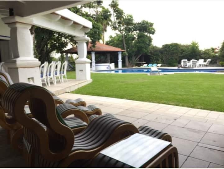 Large garden estate in Oaxtepec/Cocoyoc.