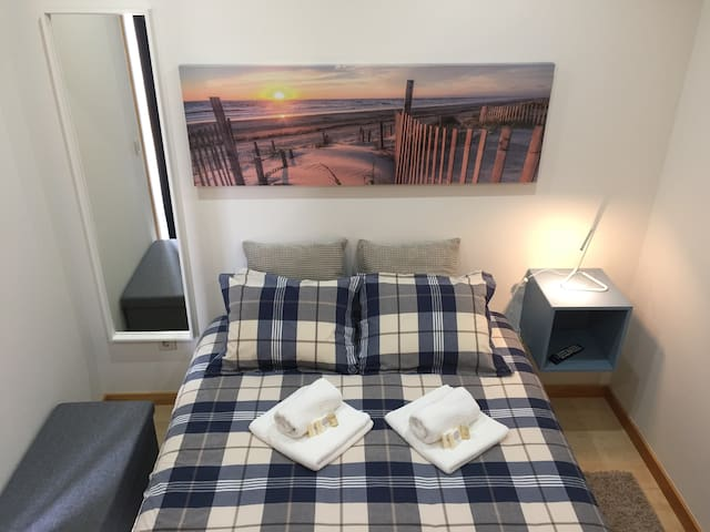 Silver Coast Beach Apartment, by Rent4All