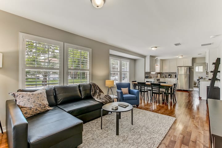 Serene Cottage in Walkable, Historic San Marco